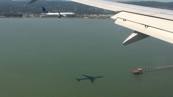 Dos aviones de United aterrizan juntos en Estados Unidos