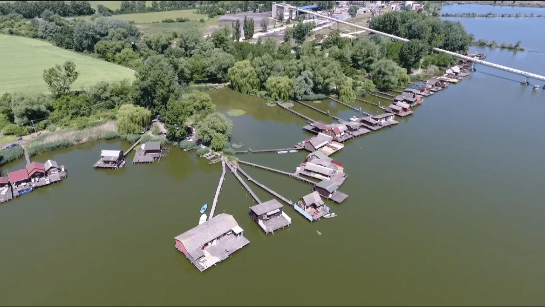 Bokodi to un lago tailandes en Hungria